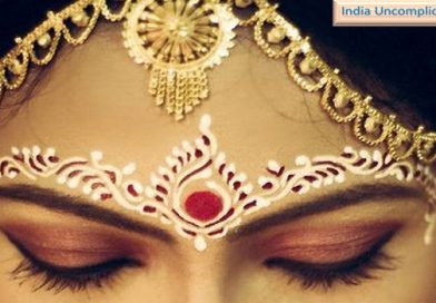 Why do Indian women wear Bindi